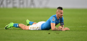 NAPLES, ITALY - MARCH 07: Marek Hamsik of SSC Napoli in action during the UEFA Champions League Round of 16 second leg match between SSC Napoli and Real Madrid CF at Stadio San Paolo on March 7, 2017 in Naples, Italy.  (Photo by Francesco Pecoraro/Getty Images)