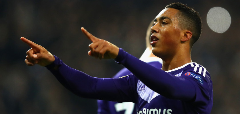 BRUSSELS, BELGIUM - NOVEMBER 03:  Youri Tielemans of RSC Anderlecht celebrates after scoring his team's thirkd goal during the UEFA Europa League Group C match between RSC Anderlecht and 1. FSV Mainz 05 at Constant Vanden Stock Stadium on November 3, 2016 in Brussels, Belgium.  (Photo by Dean Mouhtaropoulos/Getty Images)