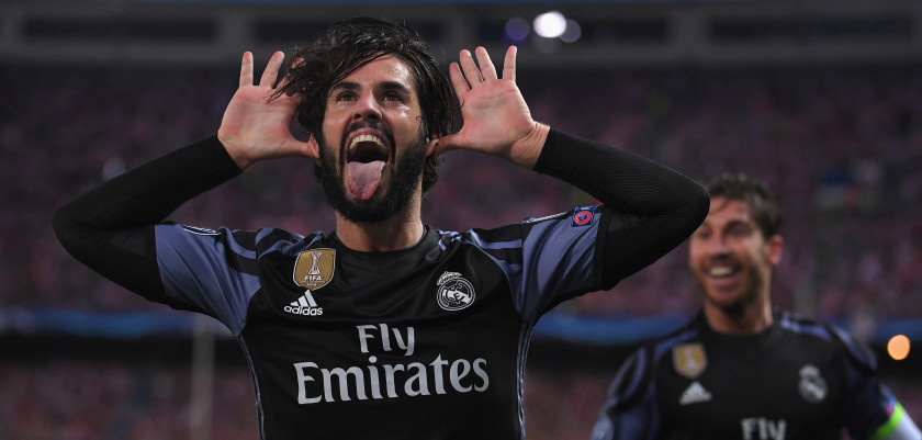 MADRID, SPAIN - MAY 10:  Isco of Real Madrid celebrates scoring his team's opening goal during the UEFA Champions League Semi Final second leg match between Club Atletico de Madrid and Real Madrid CF at Vicente Calderon Stadium on May 10, 2017 in Madrid, Spain.  (Photo by Laurence Griffiths/Getty Images)