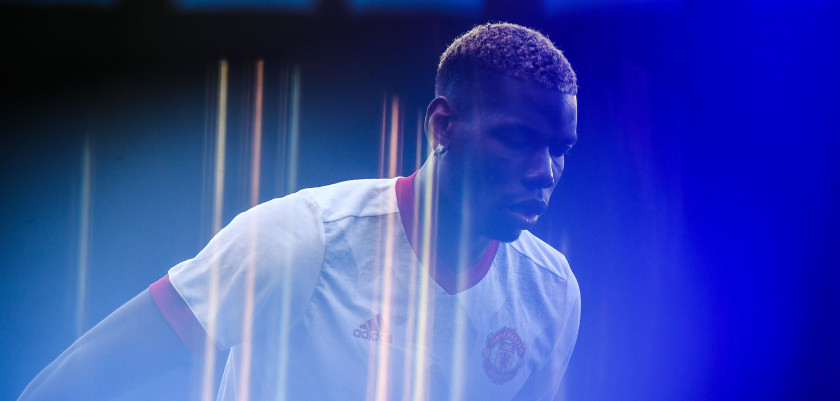 VIGO, SPAIN - MAY 04:  Paul Pogba of Manchester United looks on during the warm up prior to the UEFA Europa League, semi final first leg match, between Celta Vigo and Manchester United at Estadio Balaidos on May 4, 2017 in Vigo, Spain.  (Photo by David Ramos/Getty Images)