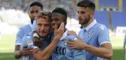 ROME, ITALY - MAY 07:  Ciro Immobile of SS Lazio celebrates a seventh with his team mates during the Serie A match between SS Lazio and UC Sampdoria at Stadio Olimpico on May 7, 2017 in Rome, Italy.  (Photo by Marco Rosi/Getty Images)