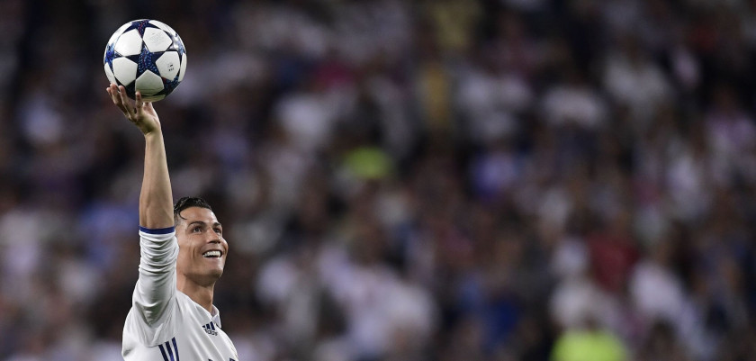 TOPSHOT - Real Madrid's Portuguese forward Cristiano Ronaldo celebrates during the UEFA Champions League quarter-final second leg football match Real Madrid vs FC Bayern Munich at the Santiago Bernabeu stadium in Madrid in Madrid on April 18, 2017. / AFP PHOTO / JAVIER SORIANO        (Photo credit should read JAVIER SORIANO/AFP/Getty Images)