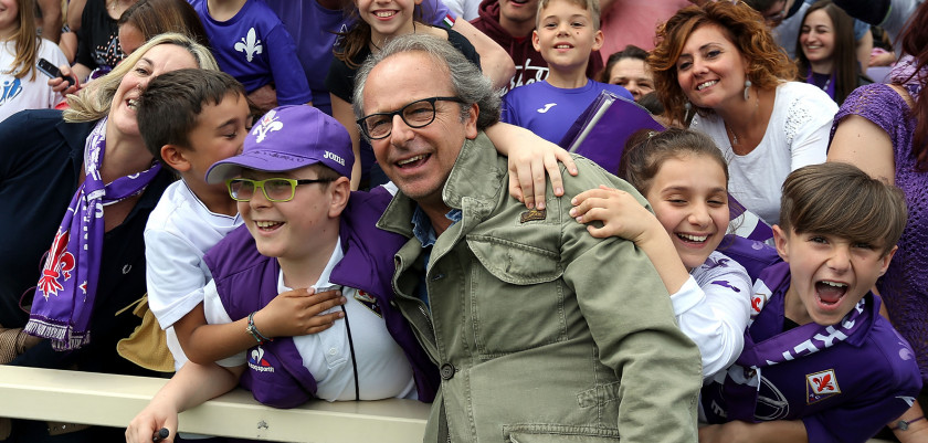 FLORENCE, ITALY - MAY 08: Andrea Della Valle preisdent of ACF Fiorentina poses prior to the Serie A match between ACF Fiorentina and US Citta di Palermo at Stadio Artemio Franchi on May 8, 2016 in Florence, Italy.  (Photo by Gabriele Maltinti/Getty Images)