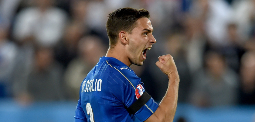 BORDEAUX, FRANCE - JULY 02:  Mattia De Sciglio of Italy celebrates after scoring the penalty shootout during the UEFA EURO 2016 quarter final match between Germany and Italy at Stade Matmut Atlantique on July 2, 2016 in Bordeaux, France.  (Photo by Claudio Villa/Getty Images)