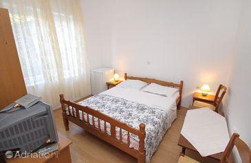 Zimmer S-5560-a - Ferienwohnungen und Zimmer Senj (Senj) - 5560