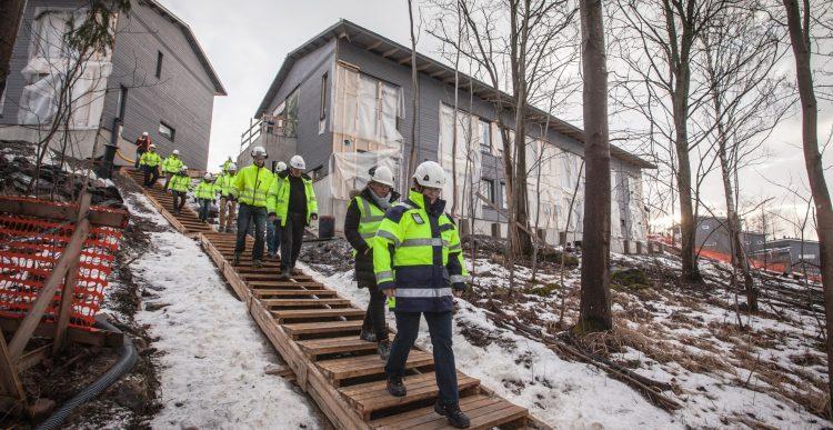 23.1.2017 Haemme palvelukseemme projektipäällikköä, työmaatoimihenkilöitä sekä asuntomyyjää