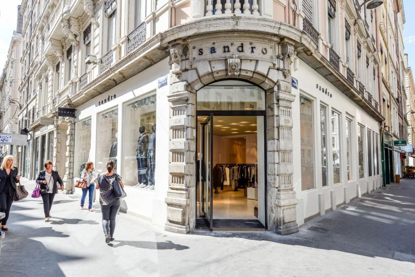 Rue Édouard-Herriot 70, Lyon - Investor Relations