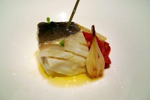 Maruja Limón (Pontevedra) bacalao con tomate confitado