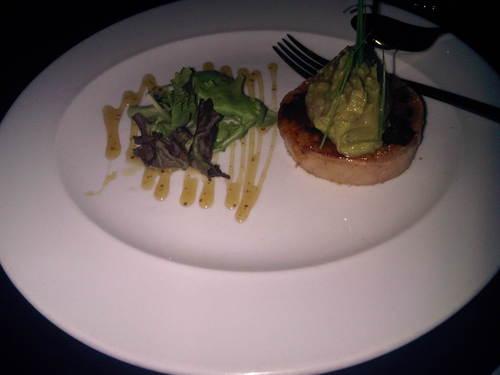 Restaurante en Córdoba crujiente de Foie-gras con guacamole