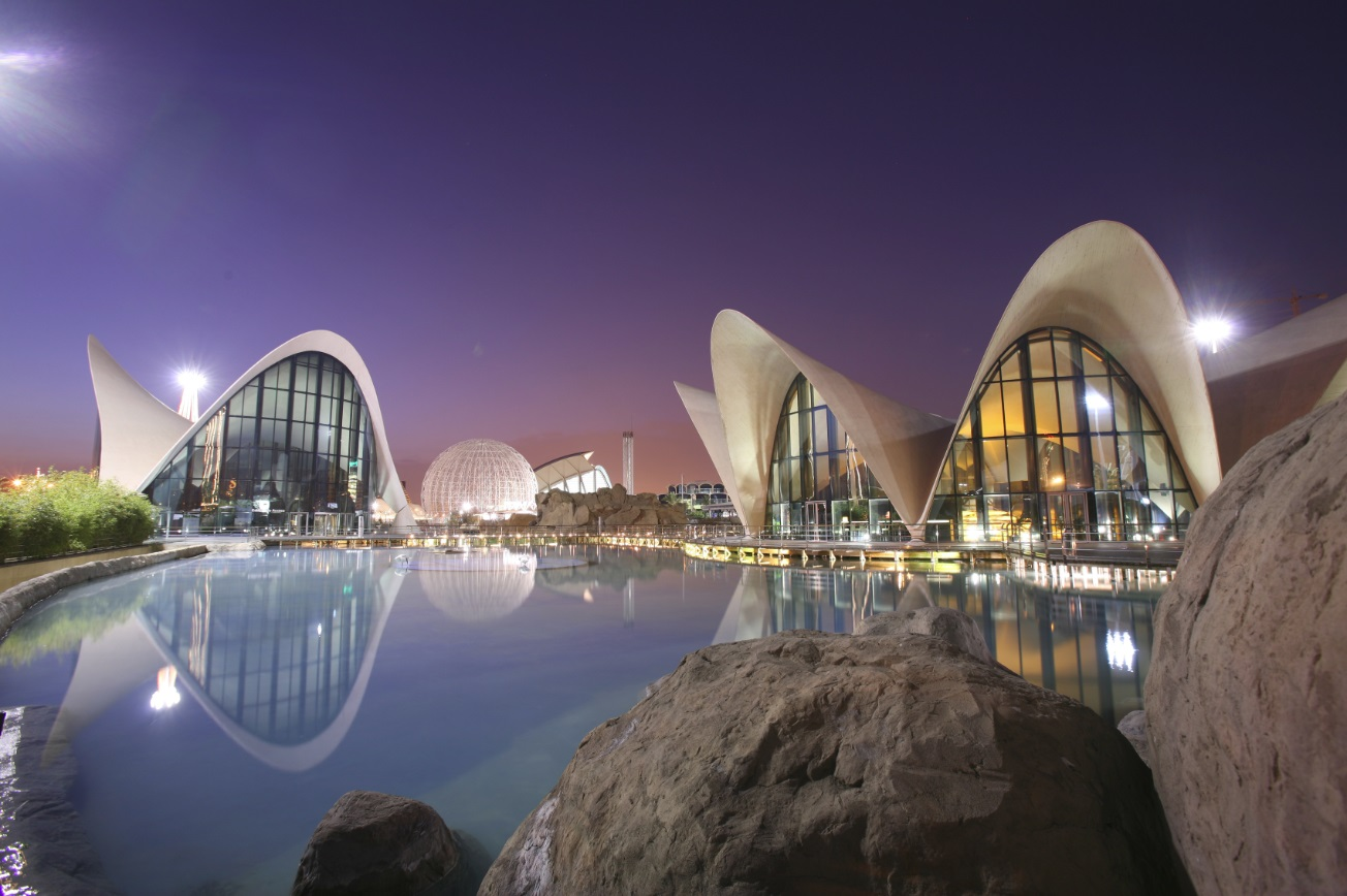 Restaurante en Valencia Oceanogràfic de noche
