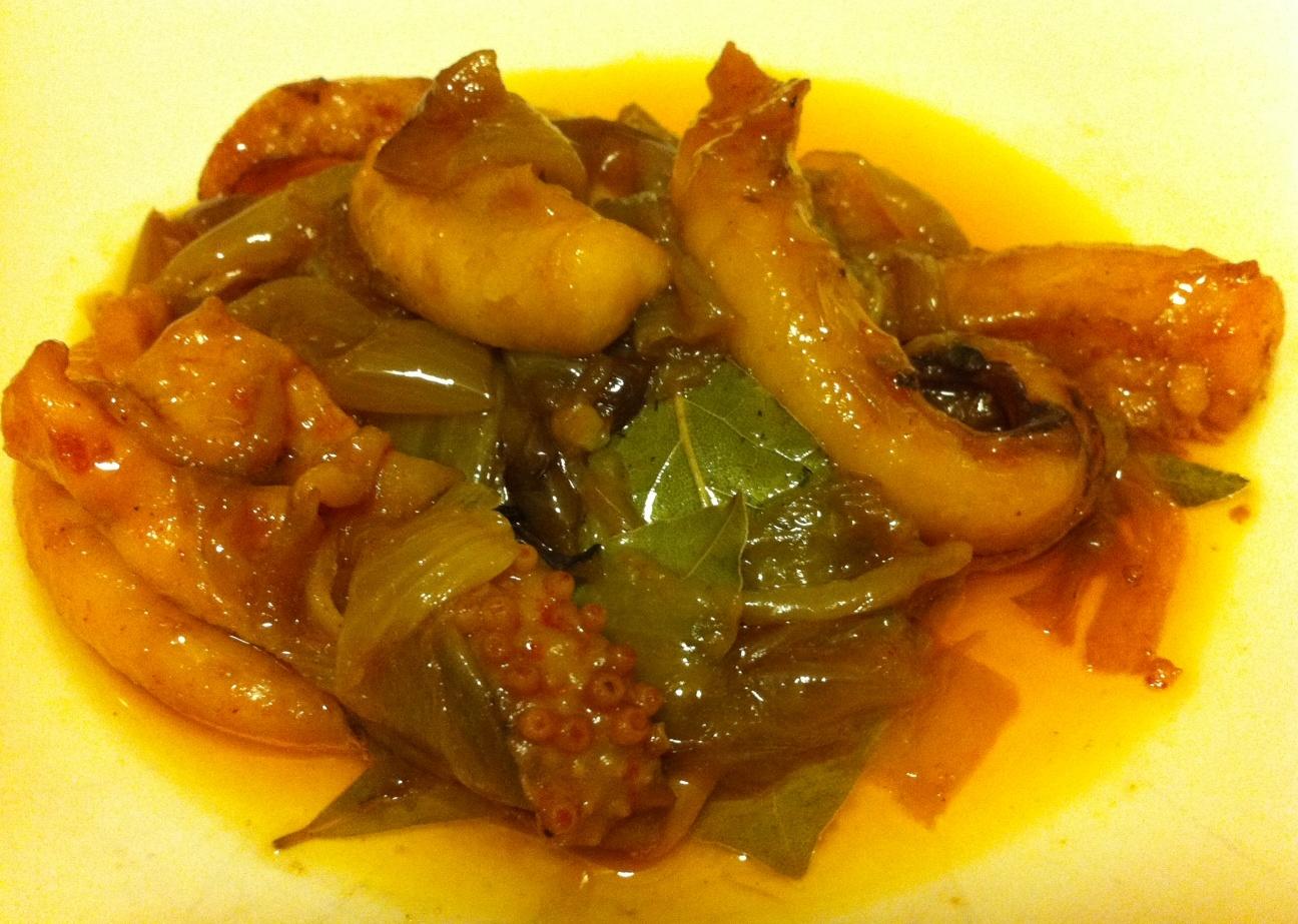 Restaurante Ca Pepico (Valencia) Patitas de Sepia con Cebolla