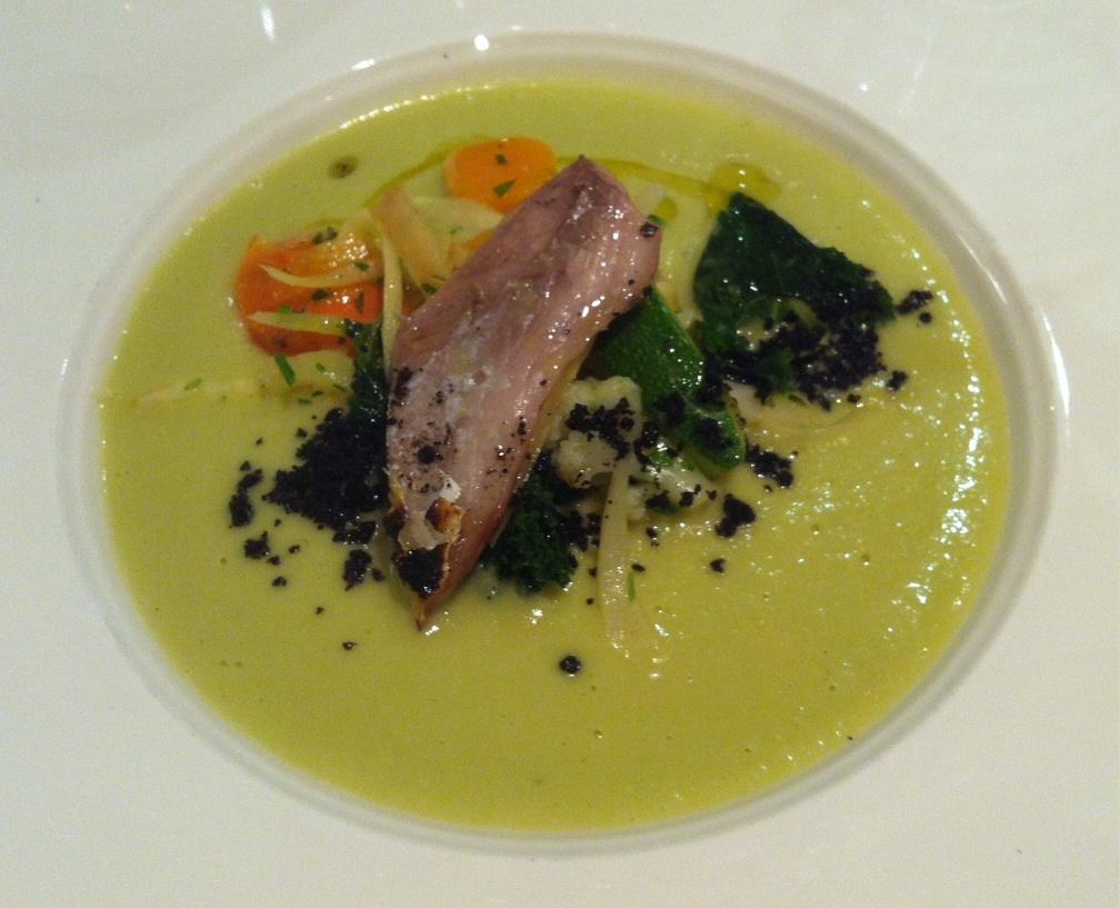 Restaurante en Valencia Jurel Braseado sobre Menestra de Verduras