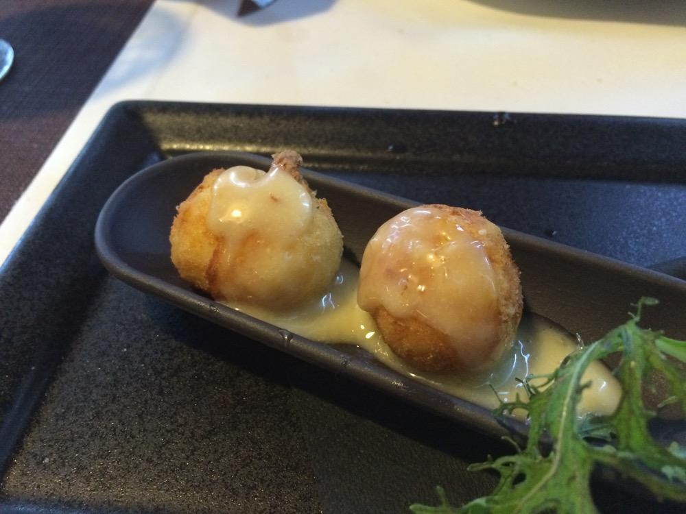 Restaurante en Valencia Croquetas de bacalao con all-i-oli y miel