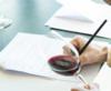 Evaluando vino thumb