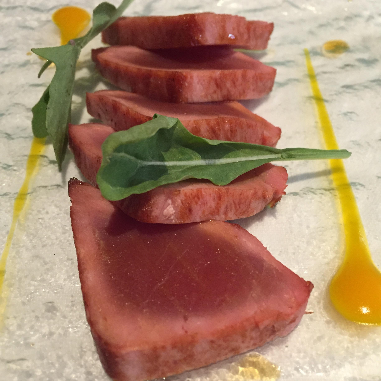 Restaurante Submarino Oceanogràfic (Valencia) Tataki de atún a la brasa con mango y salsa kabayashi