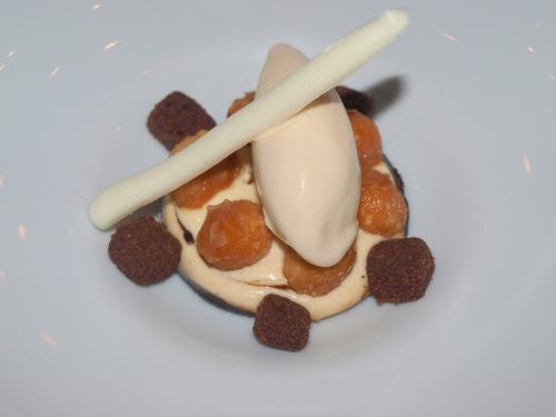 Restaurante en Valencia Café con leche quemada, mantequilla y nueces de macadamia