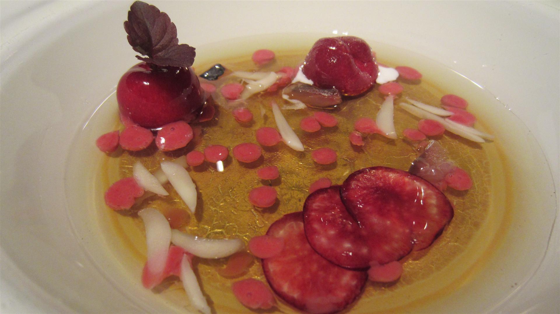 Restaurante en Girona Elder infusion (or was it just water?), cherries and ice cream