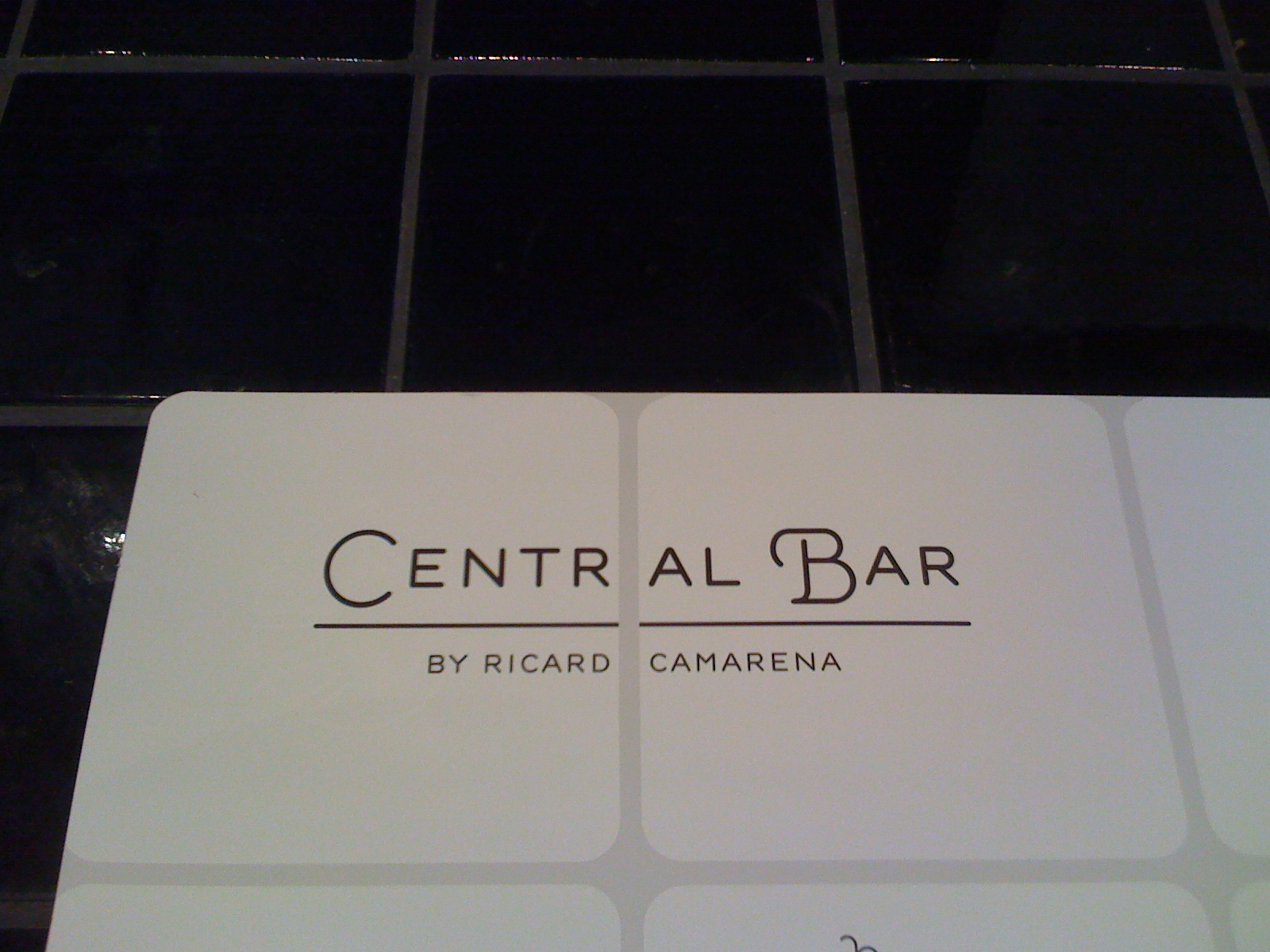 Restaurante Central Bar by Ricard Camarena Detalle carta