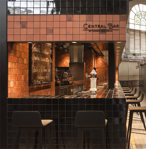 Central Bar by Ricard Camarena