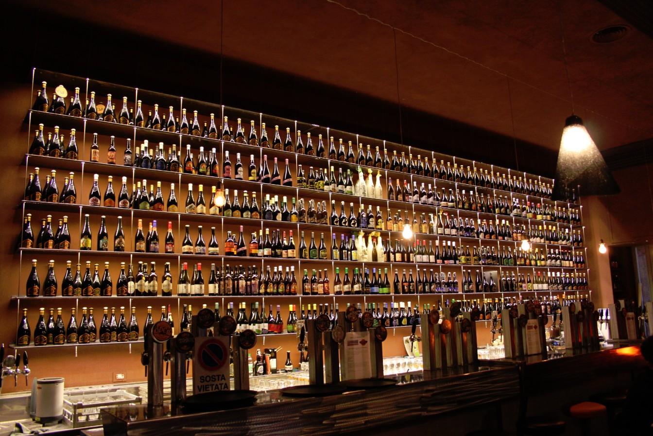 cool bar ideas in garage - Cervezas de estación en Roma Verema