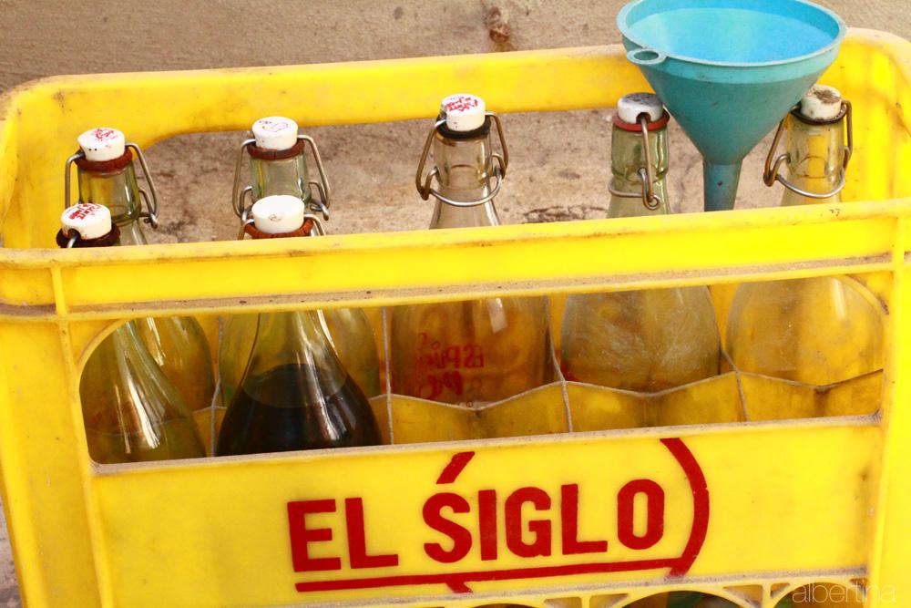 """Botellas de gaseosa """"El Siglo"""""""