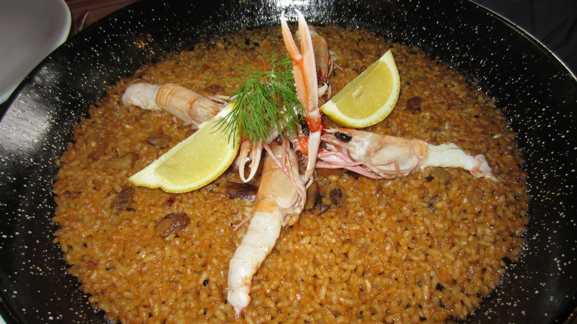 Alejandro del Toro Rice with mushrooms and langoustines