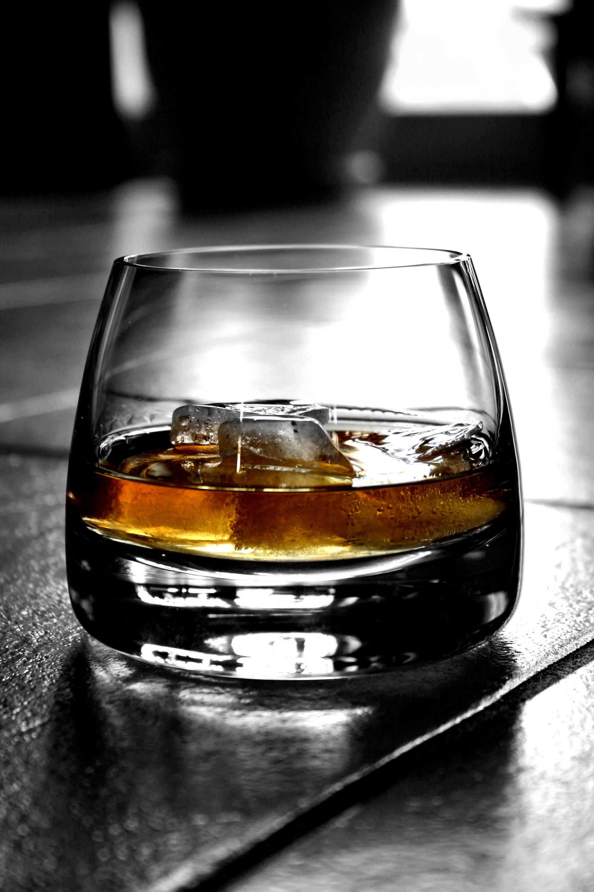 Todo lo que hay que saber sobre el mundo del whisky for Copas para whisky