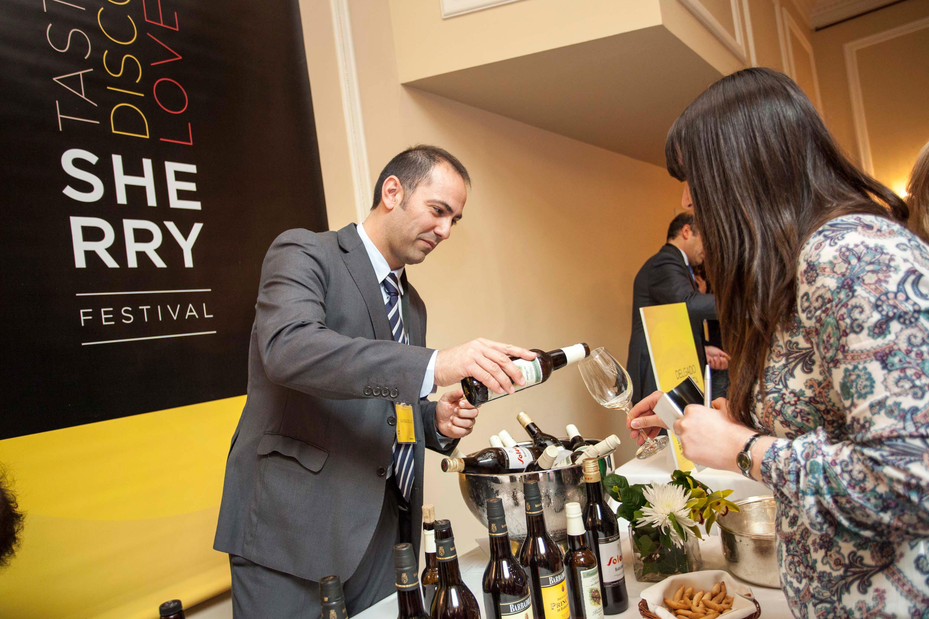 Catando vino de Jerez