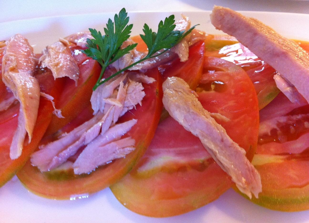 Ca Pepico (Valencia) Tomate natural trinchado con ventresca de atún