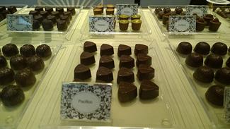 La praline chocolatier bombones logo