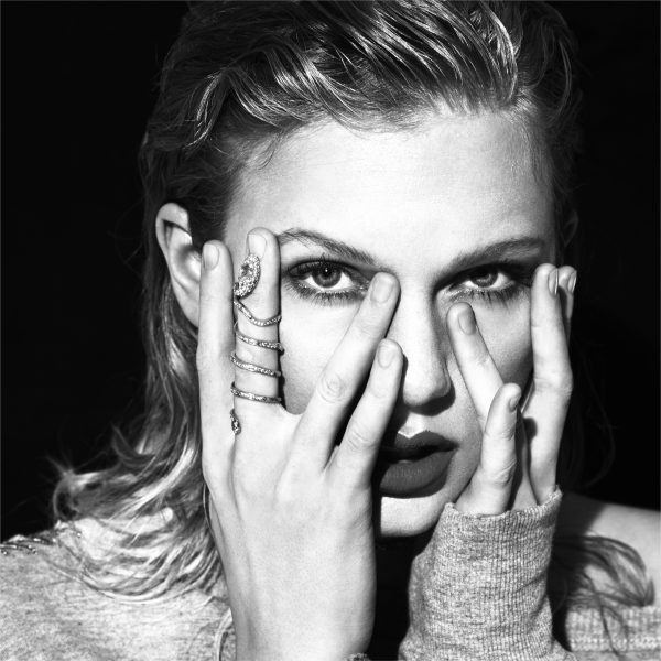 Taylor Swift - Approvd Pic