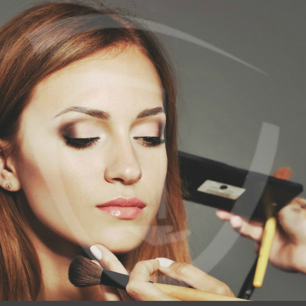 Best Bridal Makeup Artists : How to choose the best Makeup Artist for a Wedding Day.