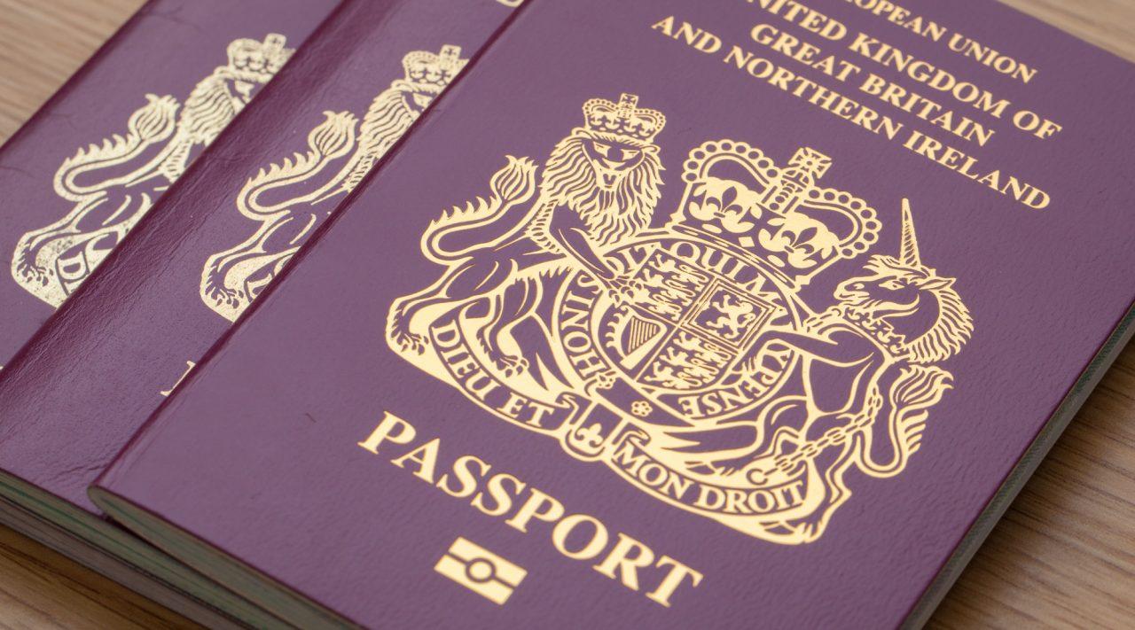 Astons: как переехать жить в Великобританию и получить британский паспорт