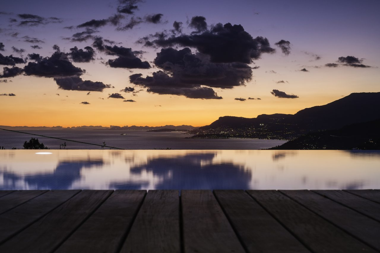 Требуется помощь в срочной продаже дома в Италии возле Монако