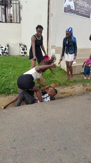 Ladies beat up man in Akure