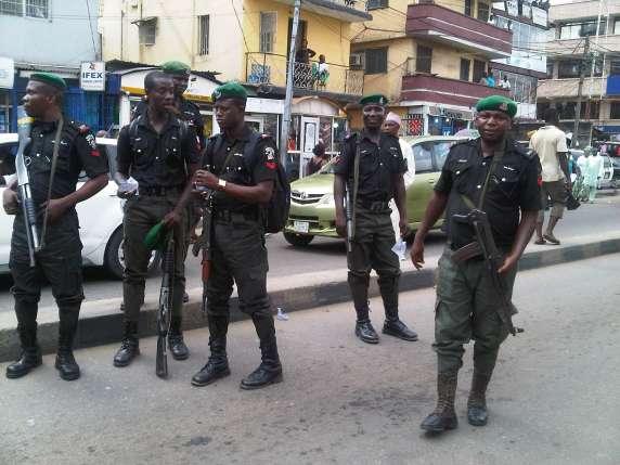 nigerian-police-officers-in-black-uniform-2