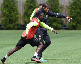 Victor Moses and Conte in training