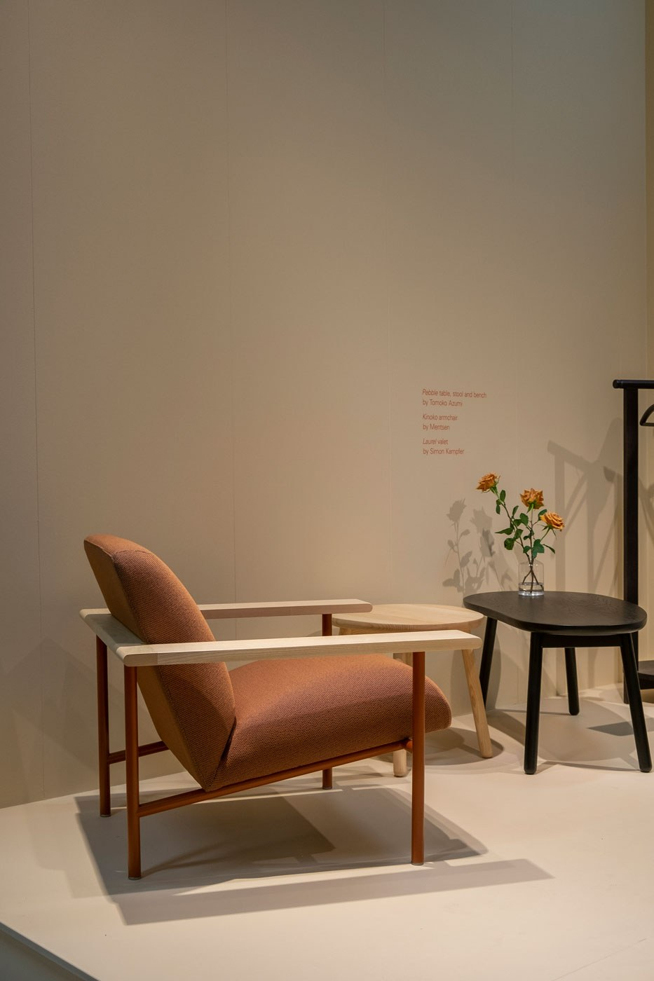 Kinoko chair with Pebble side tables