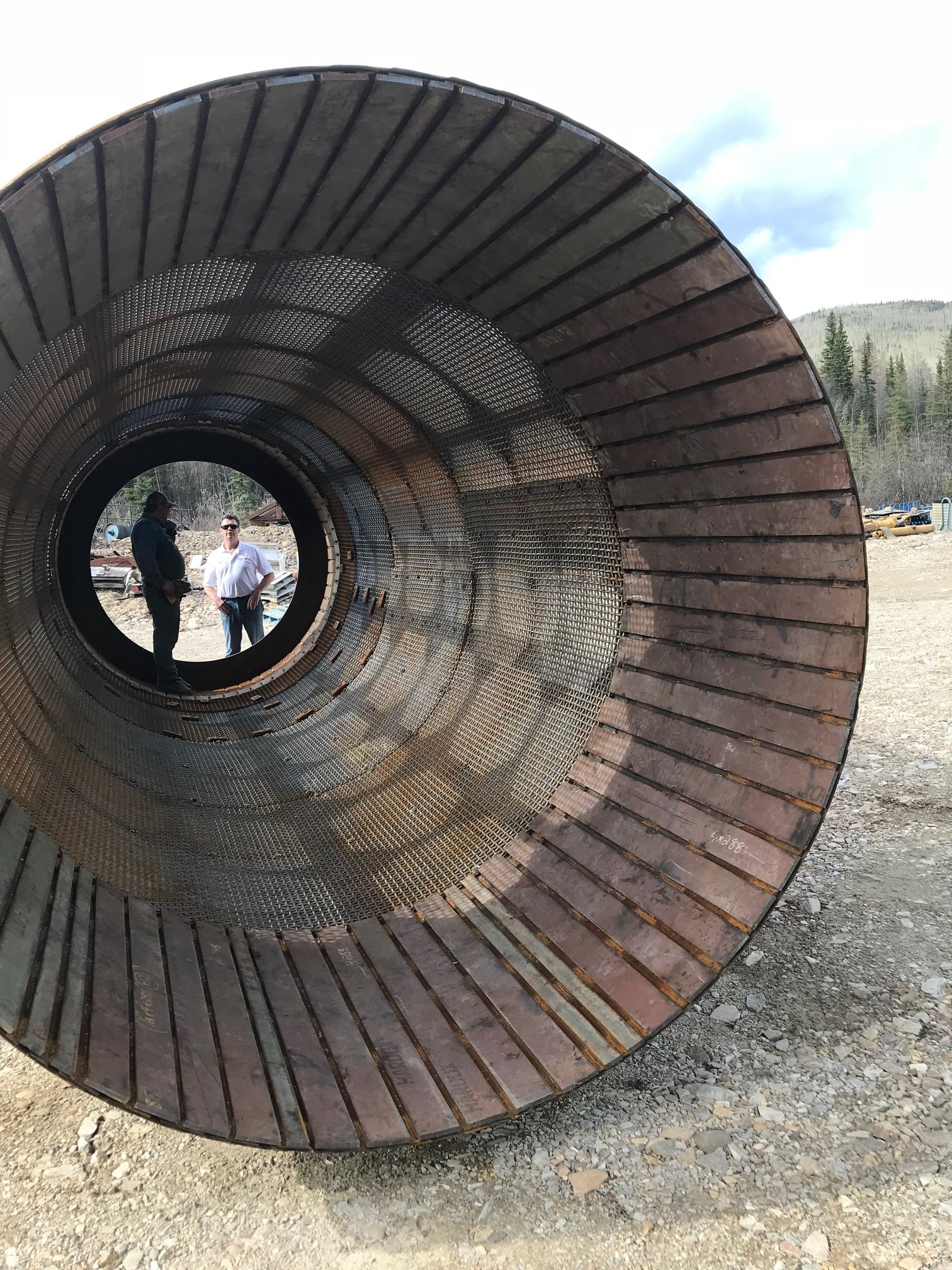 Duroxite 100 charge end liner plate in gold mine