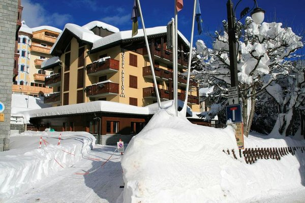 hotel-alpina-madonna-di-campiglio-skirama-dolomiti-wintersport-italie-interlodge