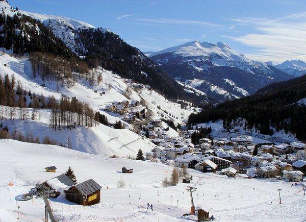 dorp-arabba-dolomiti-superski-wintersport-italie-ski-snowboard-raquettes-schneeschuhlaufen-langlaufen-wandelen-interlodge.jpg
