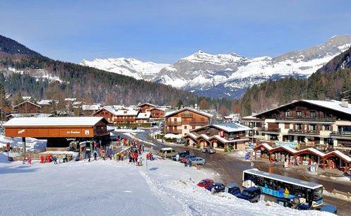 afdaling-piste-les-houches-pays-du-mont-blanc-wintersport-frankrijk-ski-snowboard-raquettes-langlaufen-wandelen-interlodge.jpg