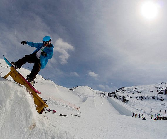 snowboarder-les-deux-alpes-frankrijk-wintersport-ski-snowboard-raquette-schneeschuhlaufen-langlaufen-wandelen-interlodge.jpg