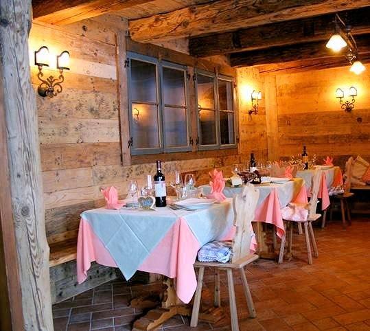 hotel-residence-dahu-restaurant-passo-tonale-wintersport-italie-ski-snowboard-raquettes-schneeschuhlaufen-wandelen-interlodge.jpg