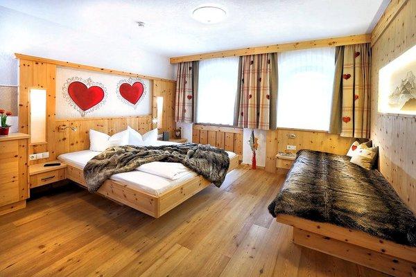 hotel-waldhof-kamer-oetz-wintersport-oostenrijk.jpg