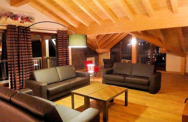 woonkamer-residence-koh-i-nor-val-thorens-frankrijk-wintersport-ski-snowboard-langlauf-interlodge.jpg