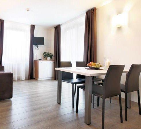 ziano-3-kamer-appartement-woonkamer-apparthotel-nele-wintersport-italie-ski-snowboard-raquettes-langlaufen-wandelen-interlodge.jpg