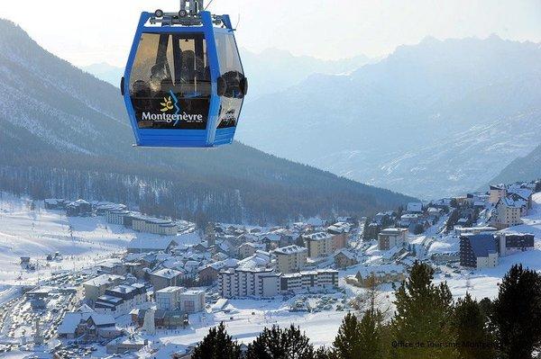 montgenevre-cabine-via-lattea-wintersport-frankrijk-ski-snowboard-raquettes-schneeschuhlaufen-langlaufen-wandelen-interlodge.jpg