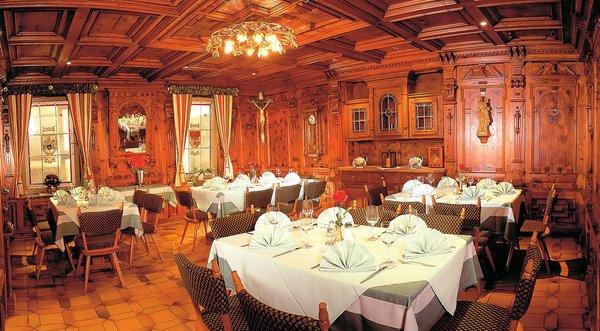 restaurant-hotel-neue-post-mayrhofen-hochzillertal-wintersport-oostenrijk-interlodge.jpg