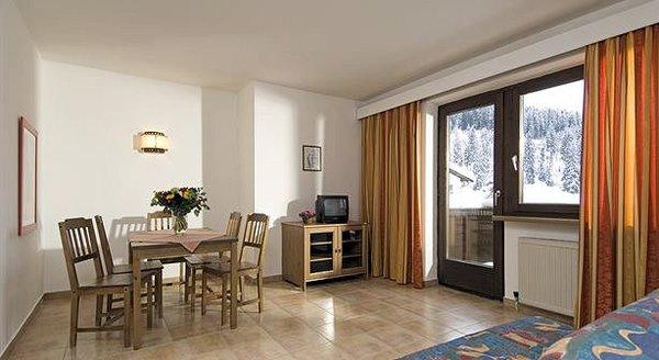 kamer-apartments-london-pub-kirchberg-wintersport-interlodge.jpg